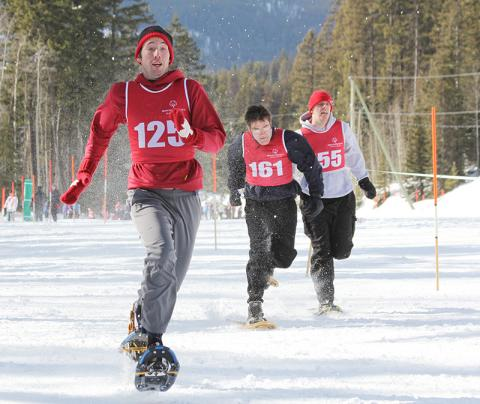 Special Olympics BC snowshoers